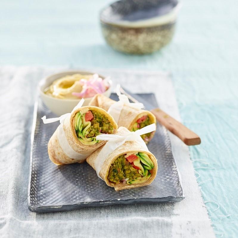 Rotoli di Miniburger agli Spinaci con Verdure e Hummus